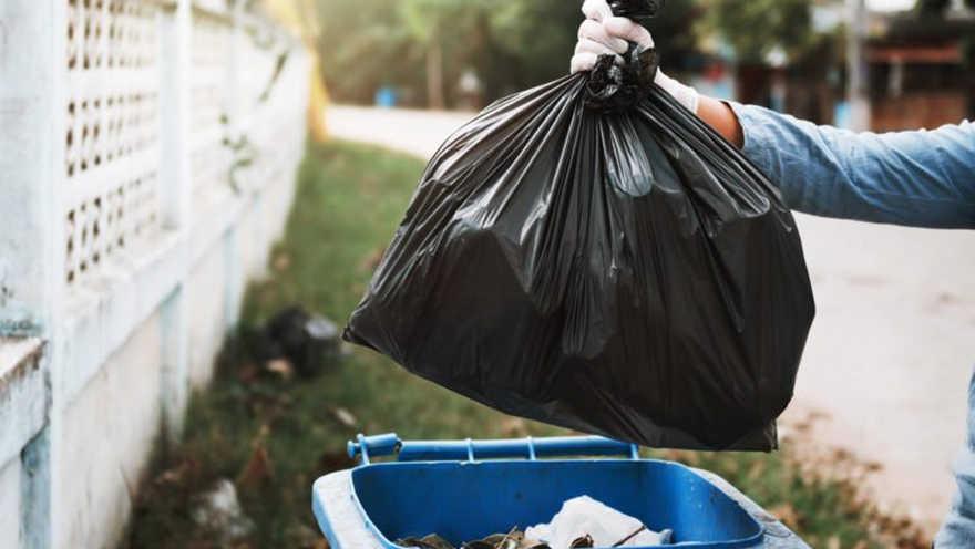 Set OIUY Pr/áctico sujetador de basura Abrazadera de pl/ástico para bolsa de basura Clip de basura fijo Soporte para bolsa Clip de basura 2PCS Negro